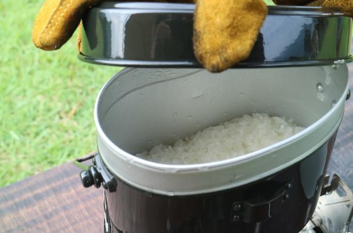 アウトドアでもおいしいごはんを。お米のプロが教える、失敗しらずの飯盒(はんごう)炊飯テクニック